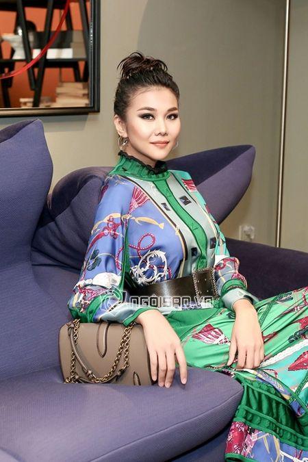Thanh Hang dien nguyen cay hang hieu khong the 'chat hon' - Anh 4