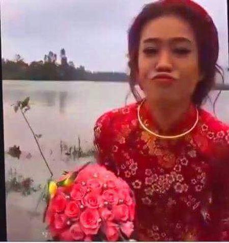 Dam cuoi HOT ngay bao: Chu re loi nuoc, hanh phuc cong co dau gay 'sot' mang - Anh 2
