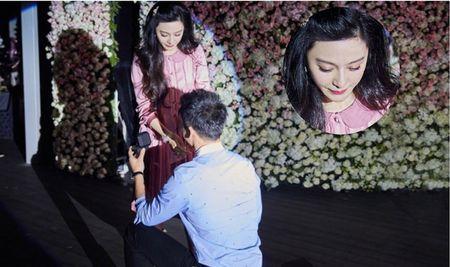 Pham Bang Bang bat khoc khi duoc Ly Than quy goi cau hon - Anh 1