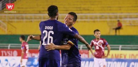 B. Binh Duong ha guc Ha Noi FC: Cop chet de da - Anh 3