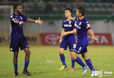 B. Binh Duong ha guc Ha Noi FC: Cop chet de da - Anh 4