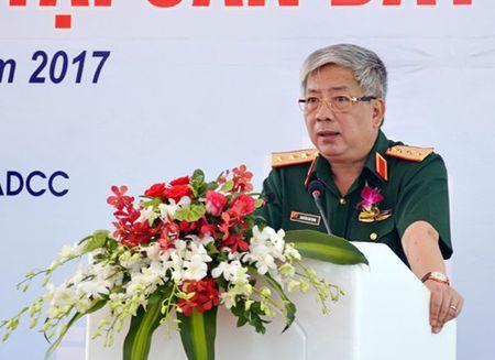 Khoi cong du an xay dung co so ha tang va tien xu ly chat doc dioxin tai san bay Bien Hoa - Anh 1