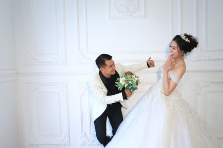 Anh cuoi lang man cua Van Quang Long va vo kem 10 tuoi - Anh 5