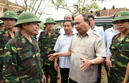Thu tuong thi sat tan noi viec giup dan chong bao - Anh 5