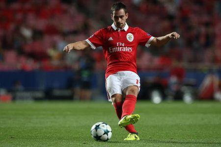 Tin HOT M.U 16/9: Hoi mua Lucas Moura. Lukaku gioi bac nhat. Ghi ban, Rooney nen an mung - Anh 4