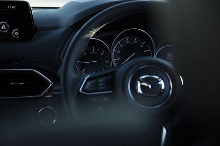 SUV Mazda CX-8 chinh thuc ra mat tai Nhat gia tu 661 trieu - Anh 10