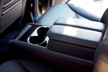 SUV Mazda CX-8 chinh thuc ra mat tai Nhat gia tu 661 trieu - Anh 11