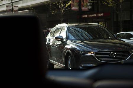 SUV Mazda CX-8 chinh thuc ra mat tai Nhat gia tu 661 trieu - Anh 3