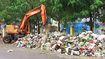 Không được thu gom, rác tràn ngập đường Hà Nội