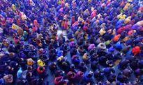 Biển người chen chân tham dự lễ cầu an ở chùa Phúc Khánh