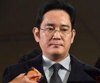 Tương lai của Samsung khi người thừa kế bị bắt Chủ tịch FLC nhận danh hiệu 'Vì sự phát triển Thanh Hóa' 39 thanh niên nghèo nhận chứng chỉ đào tạo nghề do các khách sạn 5 sao cấp Chi phí xuất khẩu tăng, xi măng cạnh tranh khó Những dấu hỏi về sự giàu có c