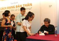 Tác giả Giản Tư Trung nói về quyển sách 'cách mạng bản thân'