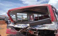 Tin mới vụ tai nạn giao thông nghiêm trọng khiến 19 người thương vong