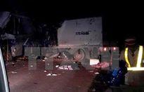 Xe khách va chạm xe tải trên đường Hồ Chí Minh, 12 người thương vong