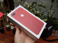 Trên tay chiếc iPhone 7 Plus Editon màu đỏ đầu tiên giá 25 triệu đồng.