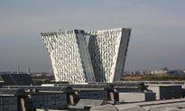 Độc dị những tòa nhà nghiêng nổi tiếng thế giới