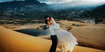 Ảnh cưới trên đồi cát của cặp đôi hơn nhau 8 tuổi