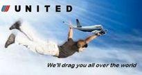 Cư dân mạng mỉa mai United Airlines bằng trào lưu khẩu hiệu chế