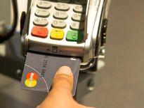 Mastercard tung thẻ tín dụng có máy quét vân tay