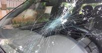 Truy tìm đối tượng tấn công kiểm lâm để giải thoát xe gỗ