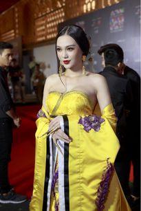Cao Thùy Linh 'chơi trội' khi hóa Dương Quý Phi trên thảm đỏ