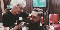Cô gái xinh đẹp trở thành thợ cắt tóc nổi tiếng ở tuổi 19