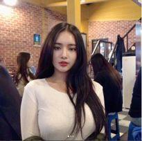 Bị tố bơm ngực, mỹ nữ vòng 1 khủng nhất châu Á dọa 'kẹp gãy cổ ai không tin'