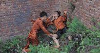 Ảnh kỷ yếu Thị Nở - Chí Phèo phản cảm của học sinh Bắc Giang