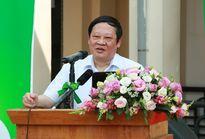 Thứ trưởng Bộ Y tế khuyên các ông chồng bớt uống bia để quan tâm đến nội tiết tố của vợ