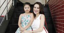 Hai nhóc tỳ sinh đôi siêu đáng yêu của gia đình Á Hậu Phương Lê