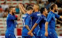 Hậu vệ phản lưới 'đẹp mắt', Uruguay thua đậm Italy