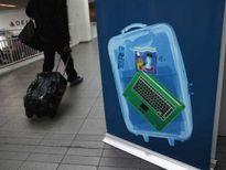 Mỹ và châu Âu tìm cách tránh mở rộng lệnh cấm laptop trên máy bay