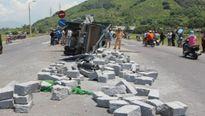 Khánh Hòa: Tai nạn giao thông liên hoàn, 3 người thương vong