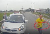 Tình tiết bất ngờ vụ tài xế taxi chạy ngược chiều, rút tuýp sắt đe dọa người