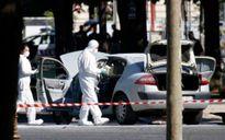 Kẻ đâm xe vào hiến binh trên đại lộ Champs Elysees (Pháp) đã chết