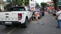 Hà Nội: Ô tô điên gây tai nạn liên hoàn, 2 người nhập viện