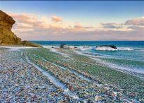 Bãi biển thủy tinh nổi tiếng ở Nga