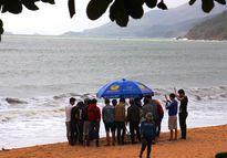 Ra biển dạo chơi, 2 nữ sinh đuối nước tử vong
