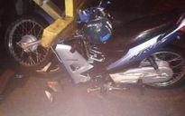 Lao xe máy vào đuôi container, thanh niên bất tỉnh