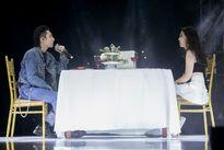 Sơn Tùng M-TP ăn tối cùng cô gái lạ tại buổi họp fan