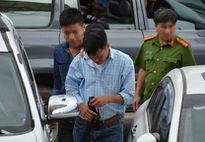 Trộm thẻ tín dụng của khách nước ngoài mua hai iPhone 7