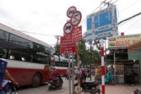 Lộn xộn biển báo giao thông