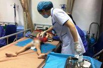 Hàng loạt trẻ bị sùi mào gà sau khi cắt bao quy đầu