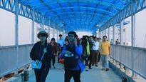 Hơn 4.000 khách du lịch vẫn 'mắc kẹt' trên các đảo ở Quảng Ninh