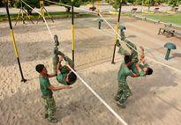 Bố trí thời gian huấn luyện linh hoạt, coi trọng chăm sóc sức khỏe bộ đội