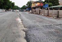 Rải đá dăm dưới trời mưa tại dự án hơn 3.000 tỷ tại thủ đô: Sai quy trình