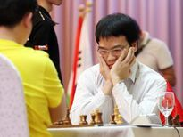 Quang Liêm mất ngôi vô địch sau ván hòa thần đồng 18 tuổi