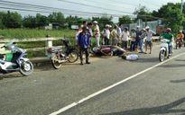 Ngã xuống đường, người đi xe máy bị xe cẩu thi công điện cán tử vong