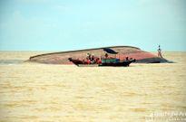 Vụ chìm tàu ở Nghệ An: Tìm thấy thi thể thứ 2 trong khoang tàu