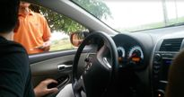 Hải Phòng: Dân lập barie thu tiền ô tô trốn trạm thu phí Quán Toan